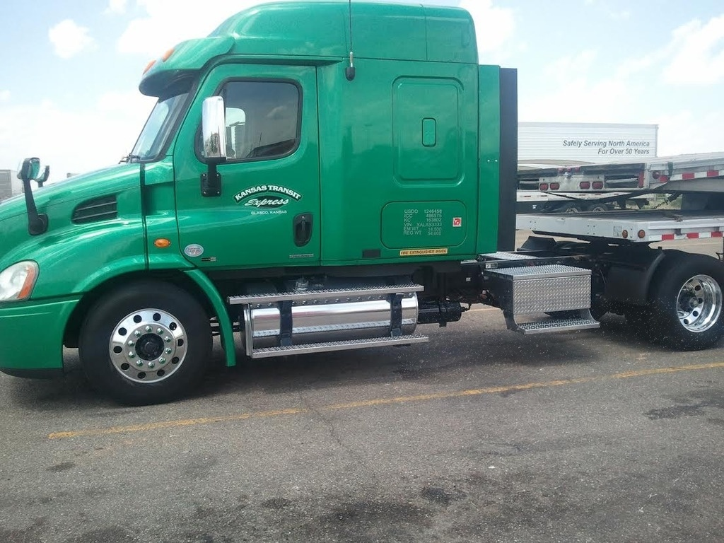 2010 Freightliner Cascadia 40 000 Auto Seller Marketing